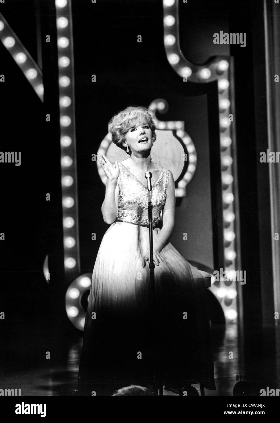 PETULA CLARK in performance, 1966. Courtesy: CSU Archives / Everett Collection - Stock Image