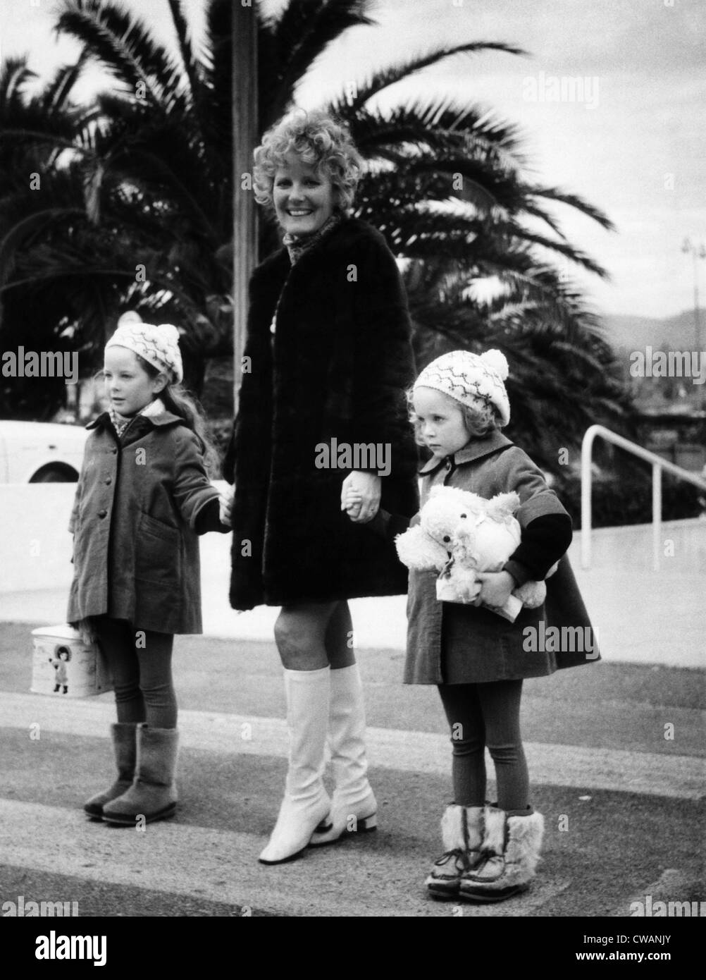 Petula Clark with her children at the French Riviera, 1968. Courtesy: CSU Archives/Everett Collection - Stock Image