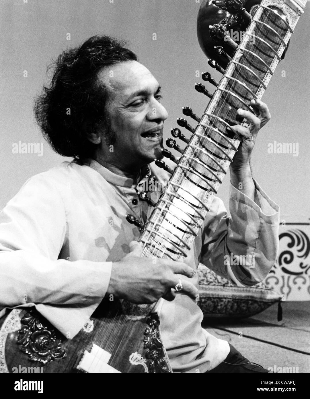 Ravi Shankar, musician, composer, performer and scholar, portrait, 1970s. Courtesy: CSU Archives / Everett Collection Stock Photo
