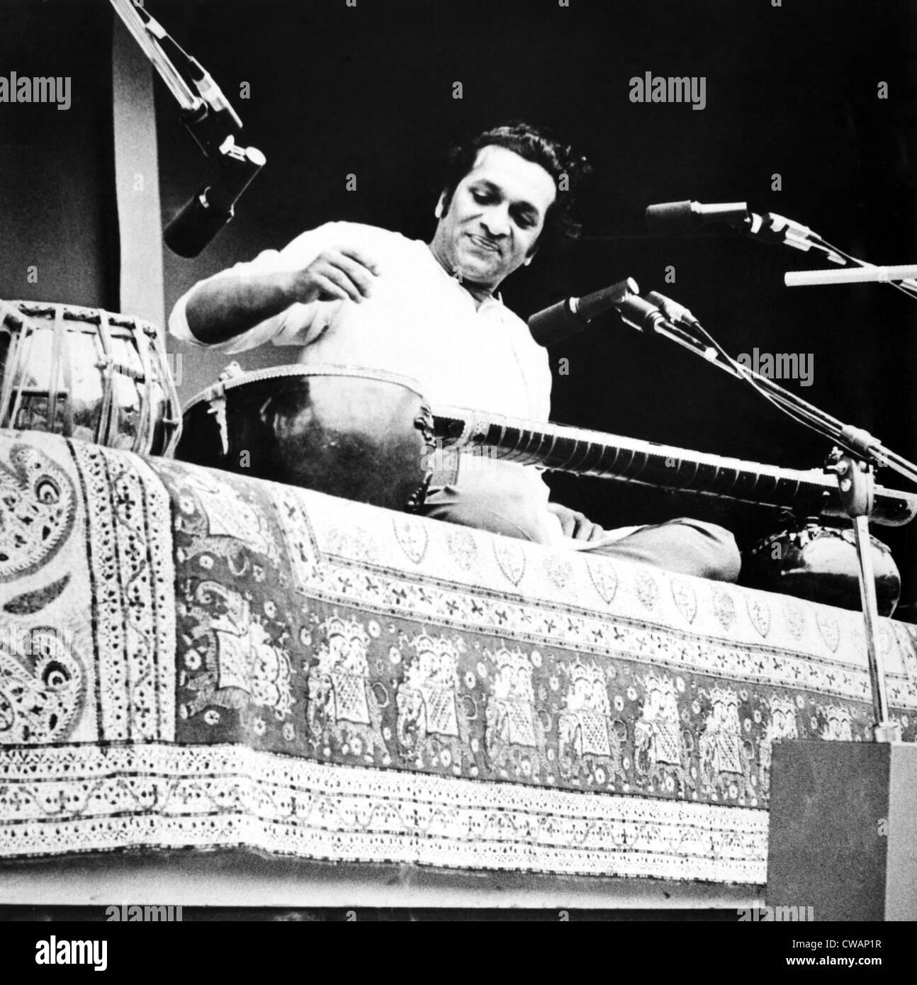 Ravi Shankar, musician, composer, performer and scholar, portrait, 1960s. Courtesy: CSU Archives / Everett Collection Stock Photo