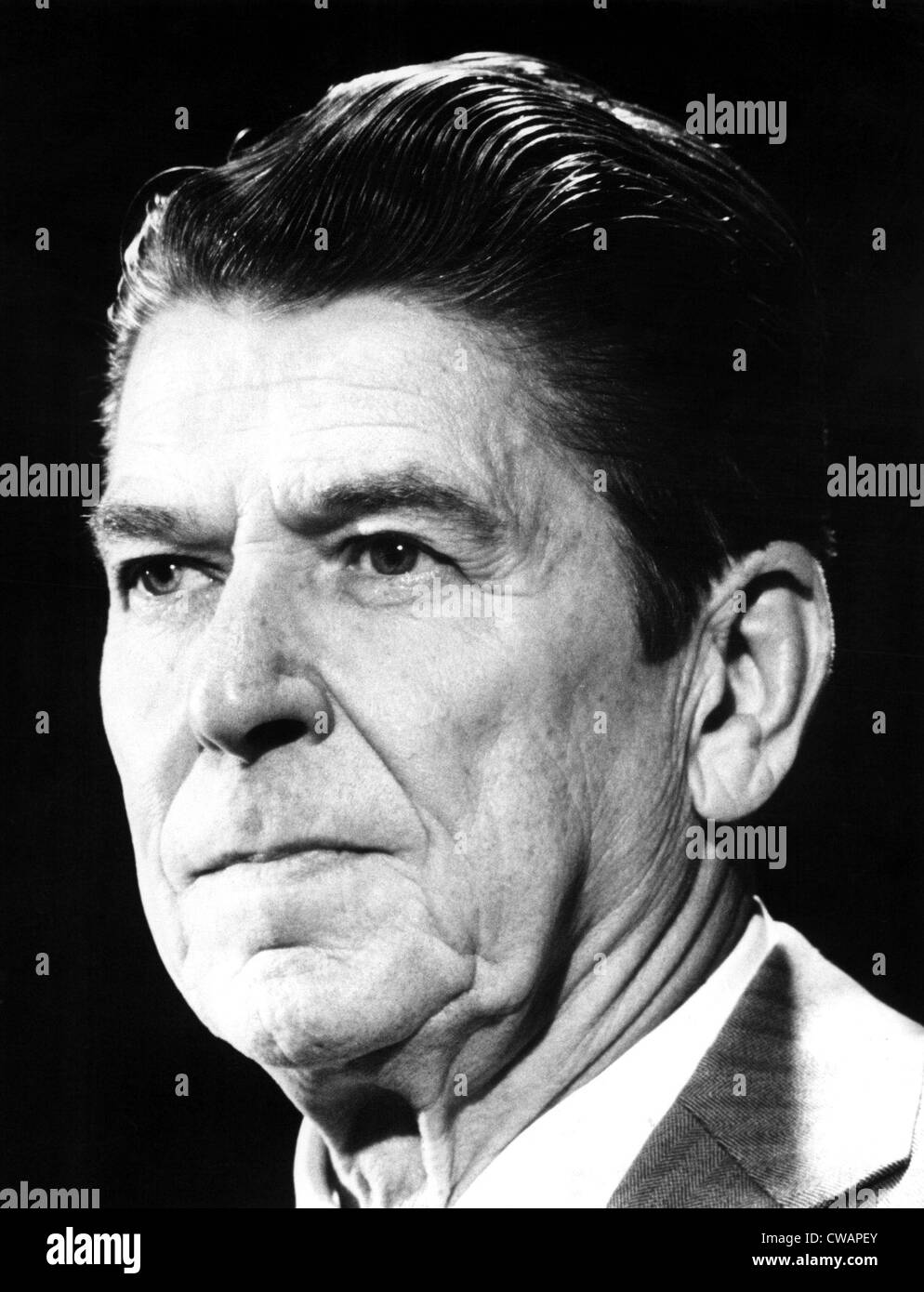 Ronald Reagan at a Chicago press conference, 5/13/75. Courtesy: CSU Archives / Everett Collection - Stock Image