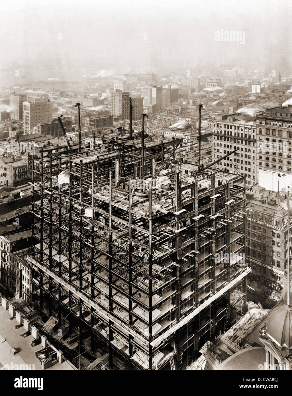 Woolworth Building steel frame structure under construction, New ...
