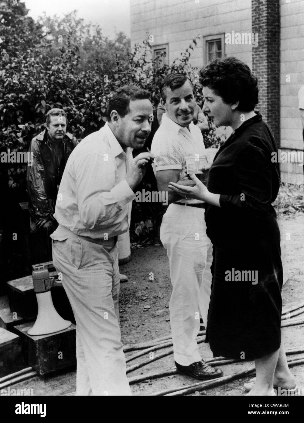 THE FUGITIVE KIND, foreground: screenwriter Tennessee Williams, Maureen Stapleton, on set, 1959.. Courtesy: CSU - Stock Image