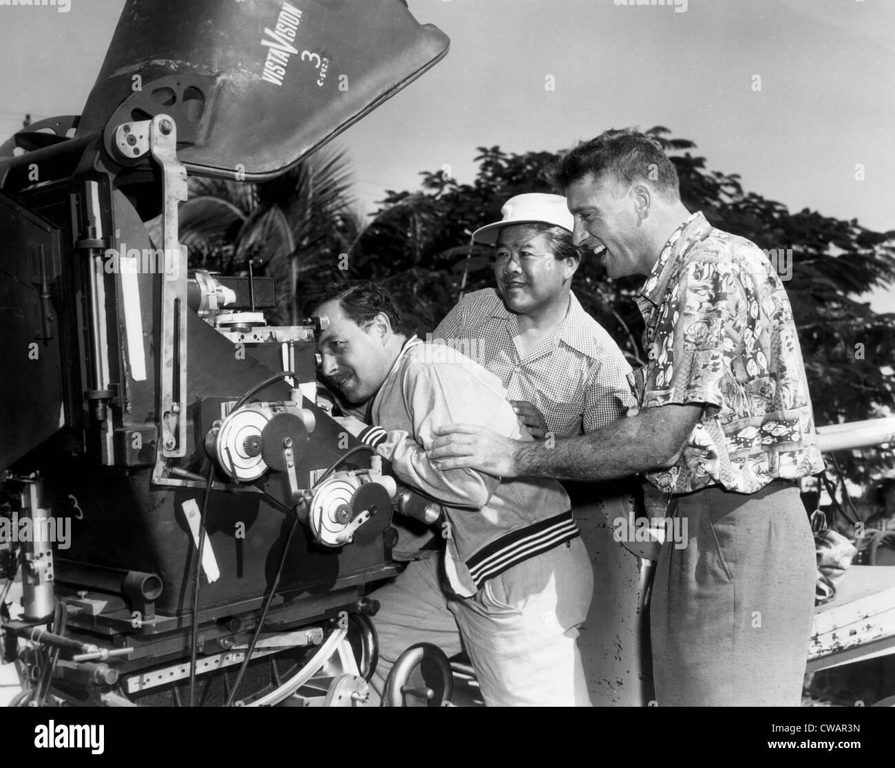 THE ROSE TATTOO, Screenwriter Tennessee Williams, cinematographer James Wong Howe, Burt Lancaster, on set, 1955.. - Stock Image