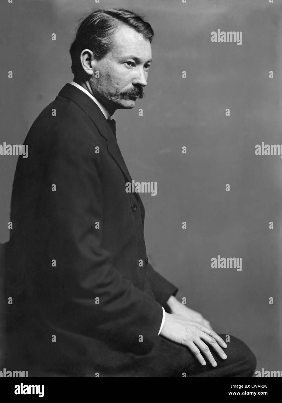 Robert Henri (1865-1929), the American painter, posed in the Gertrude Kasebier's New York City studio in 1900. - Stock Image