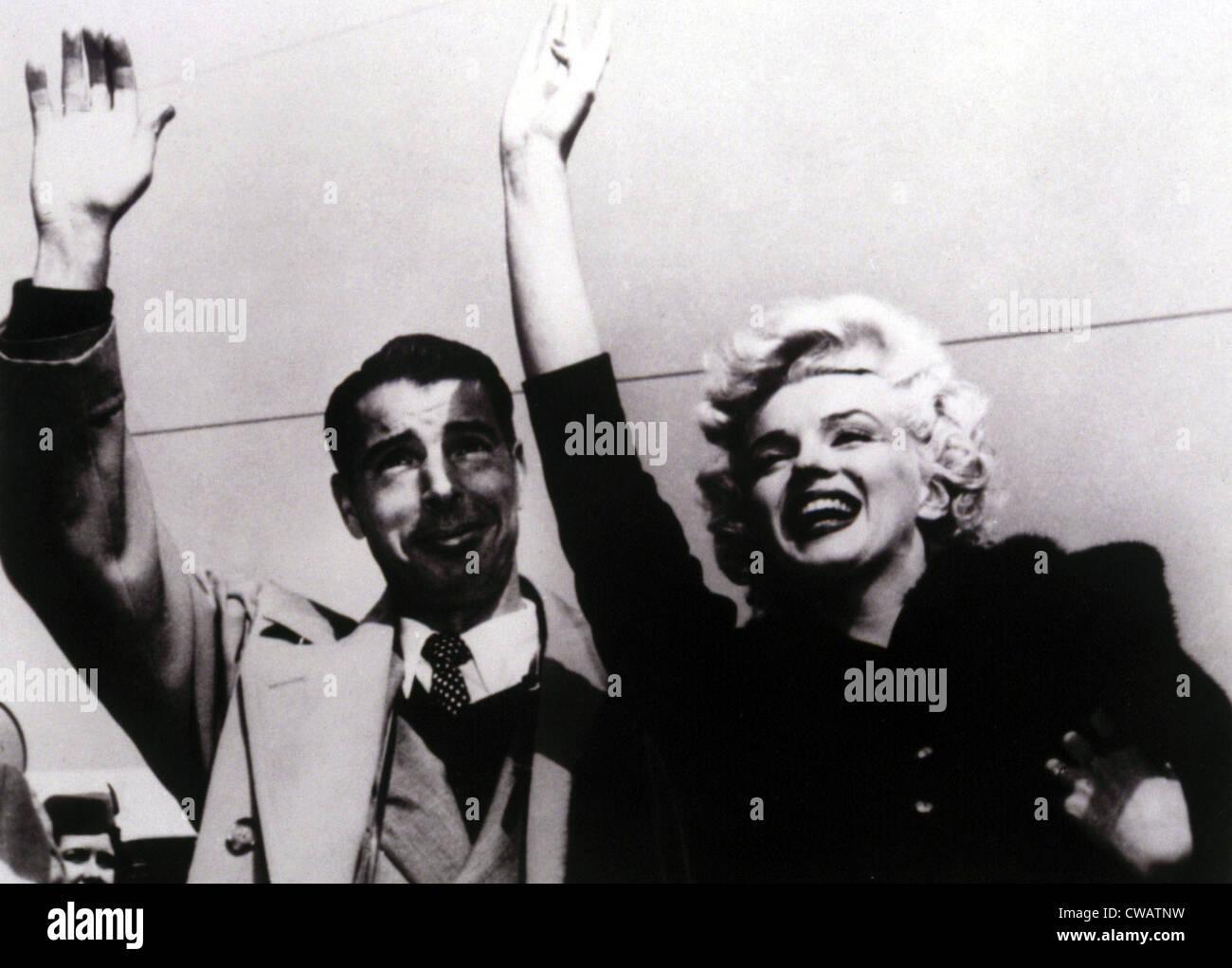 Joe DiMaggio, Marilyn Monroe returning from their honeymoon, 1954. Courtesy: CSU Archives / Everett Collection - Stock Image