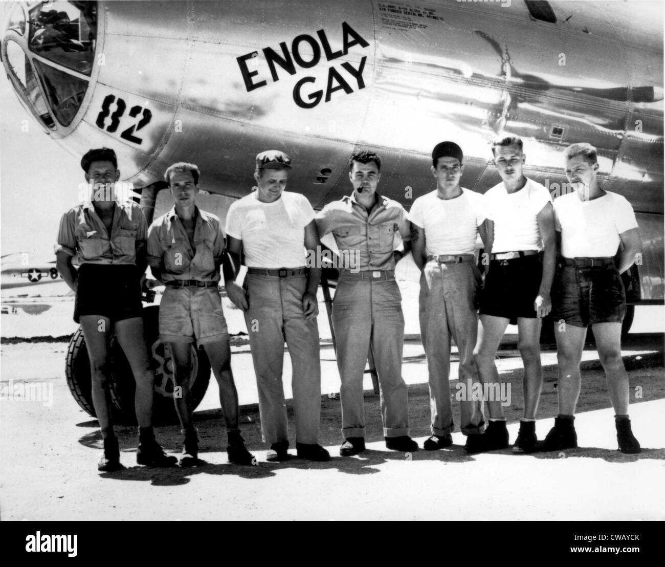 Enola Gay. The ground crew of the B-29 'Enola Gay' which atom-bombed Hiroshima, Japan. Col. Paul W. Tibbets, - Stock Image
