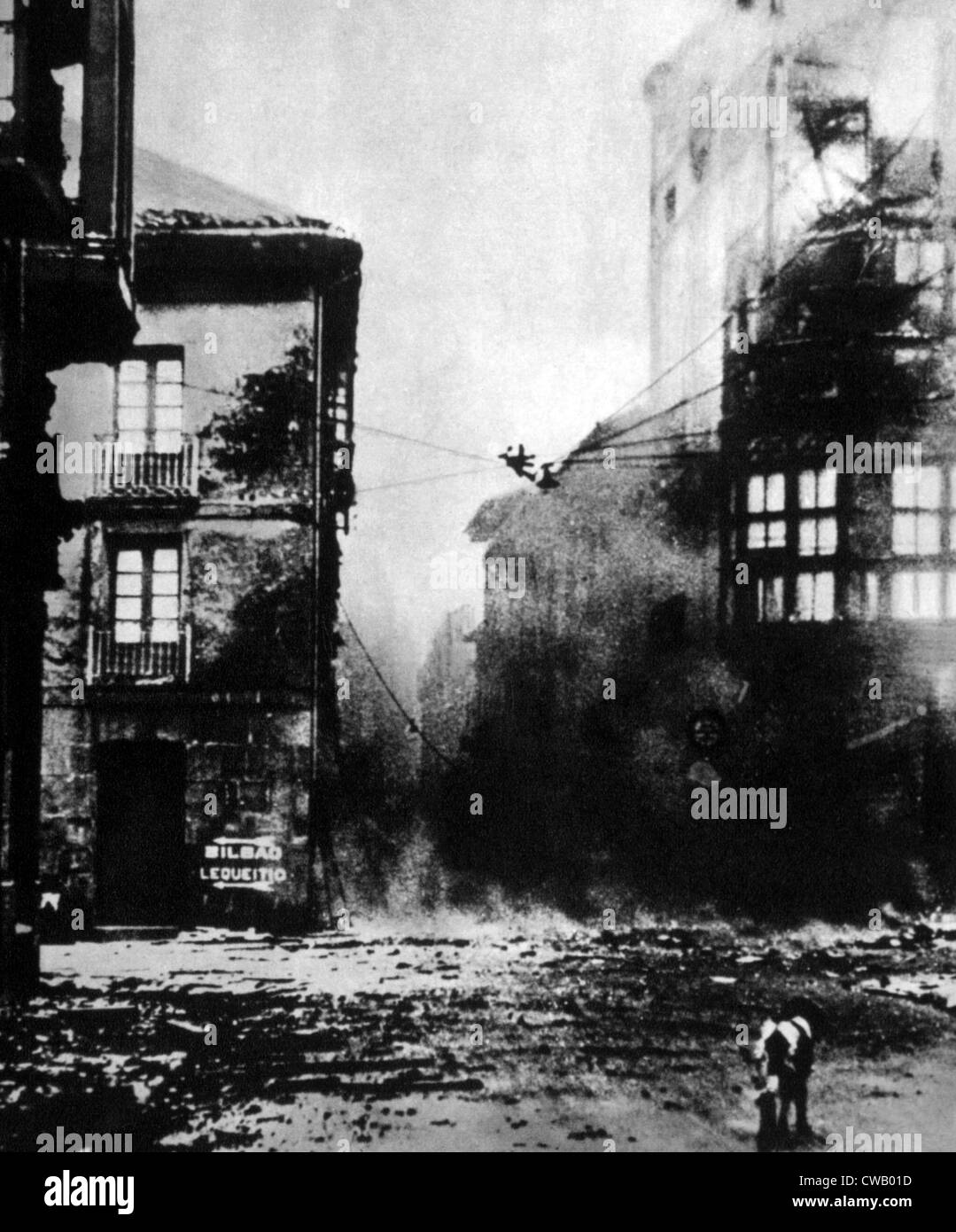 Spanish Civil War (1936-1939), the destruction of the Spanish town of Guernica by German Bombers, 1937. - Stock Image