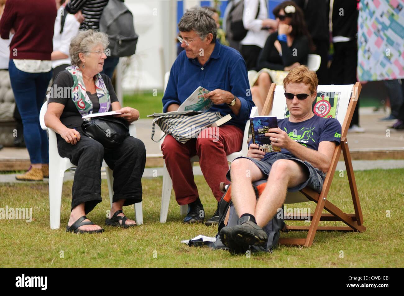 Edinburgh Book Festival: Festival visitors. - Stock Image