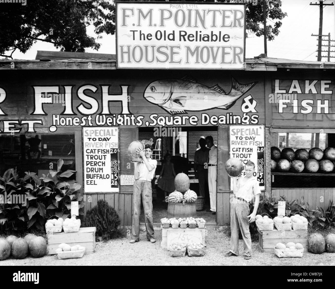 Roadside Stand Near Birmingham, Alabama. Published in the book, 'Let Us Now Praise Famous Men'. photograph - Stock Image