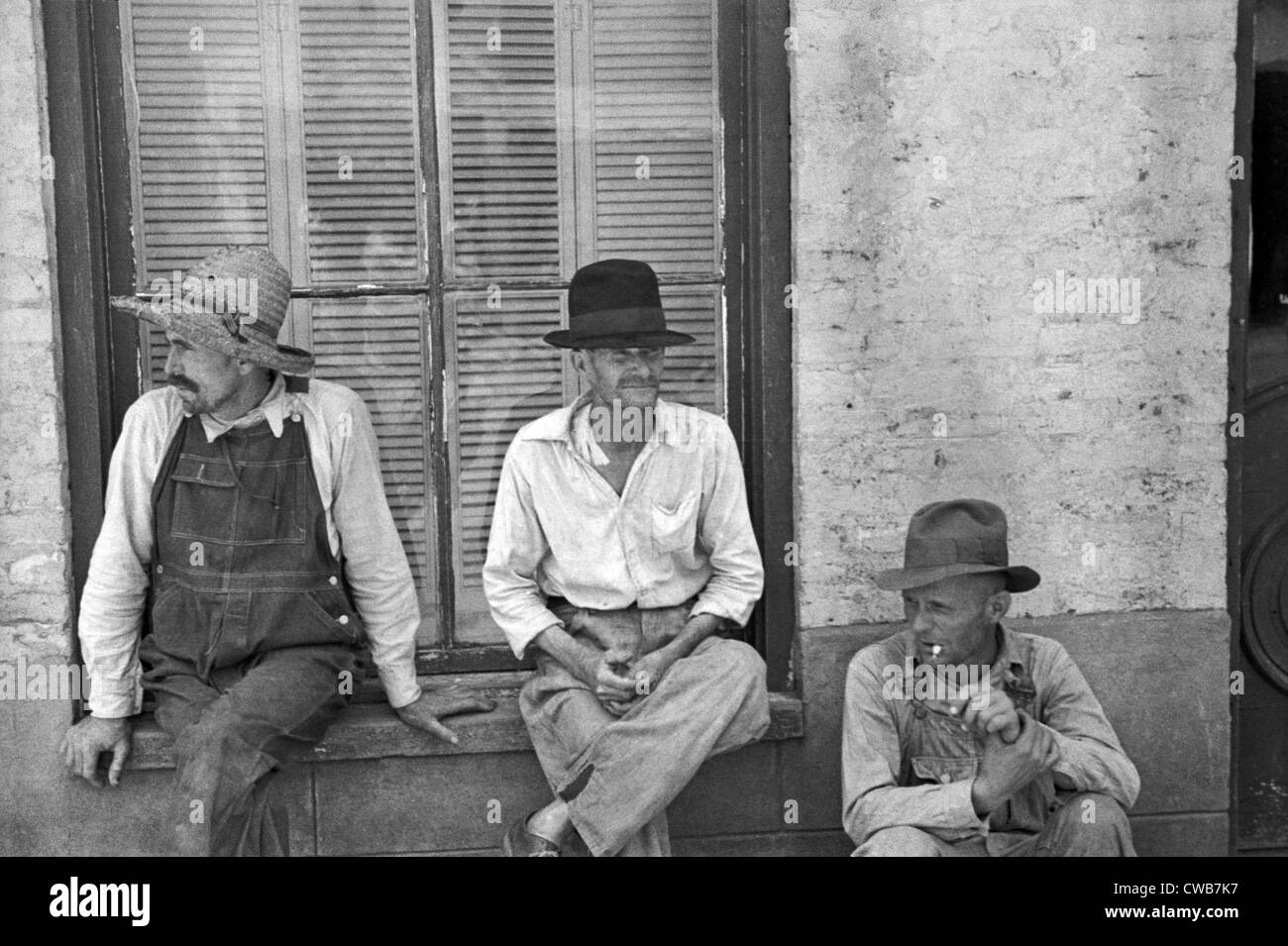 Frank Tengle, Bud Fields, and Floyd Burroughs, cotton sharecroppers. Hale County, Alabama. Published in the book, - Stock Image