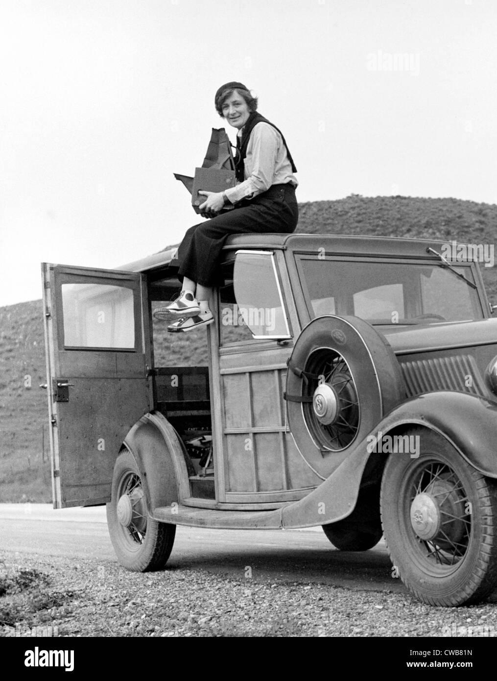 Dorothea Lange, Resettlement Administration photographer, California, February, 1936. - Stock Image