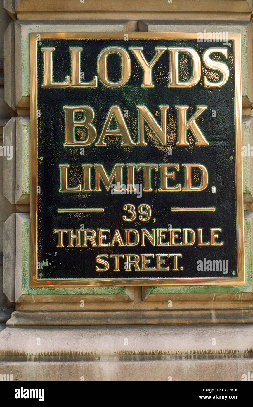 Lloyds Bank sign 39 Threadneedle Street, City of London, England, UK - Stock Image