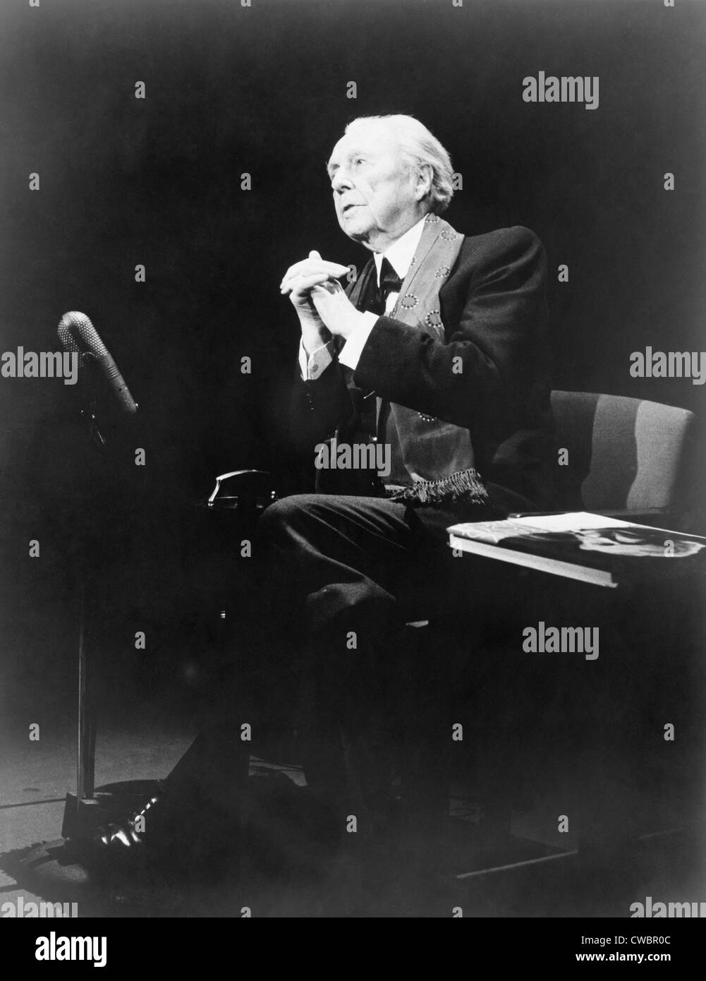 Frank Lloyd Wright (1867-1959), in an expressive pose, during THE MIKE WALLACE INTEVIEW television program, 1957. - Stock Image