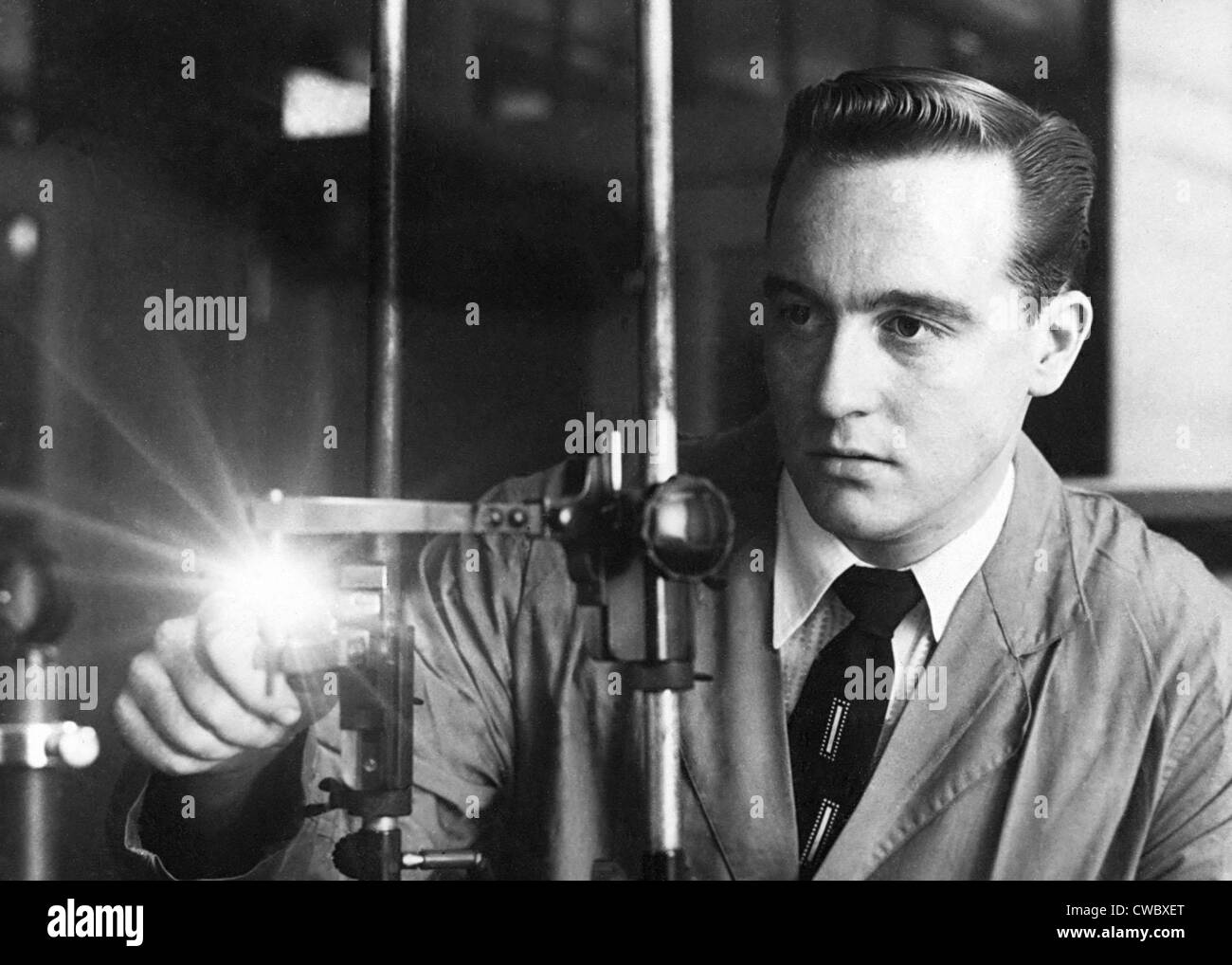 FBI scientists applied technology in criminal investigations. Ca. 1950. - Stock Image
