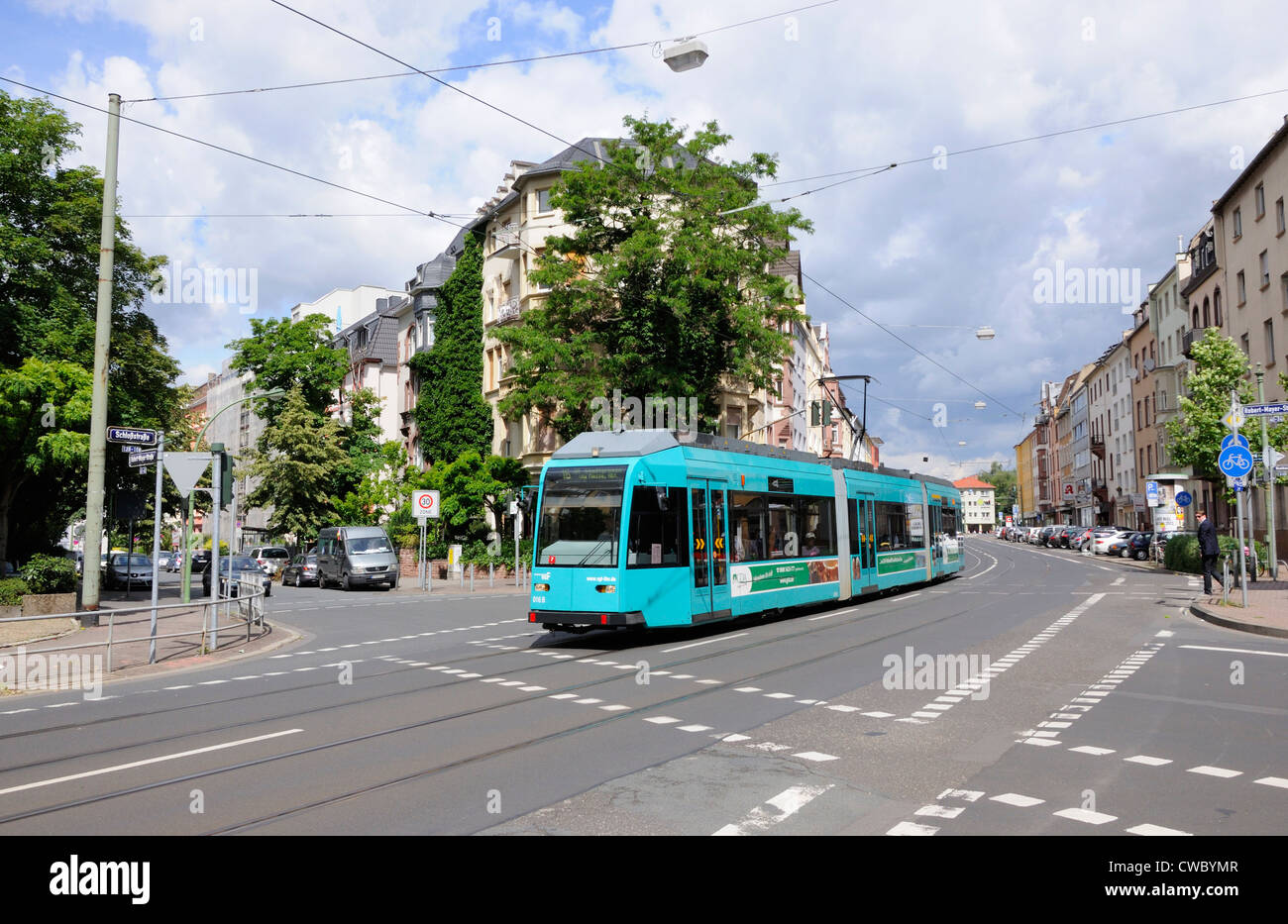The No. 16 tram at the junction of Robert-Mayer-Strasse and Schlosstrasse, Frankfurt, Germany - Stock Image