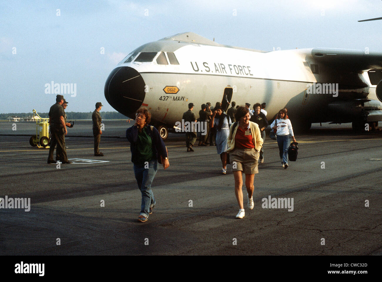 Women American medical students exit a U.S. Air Force transport from Grenada on Nov. 3 1983. While never in danger - Stock Image