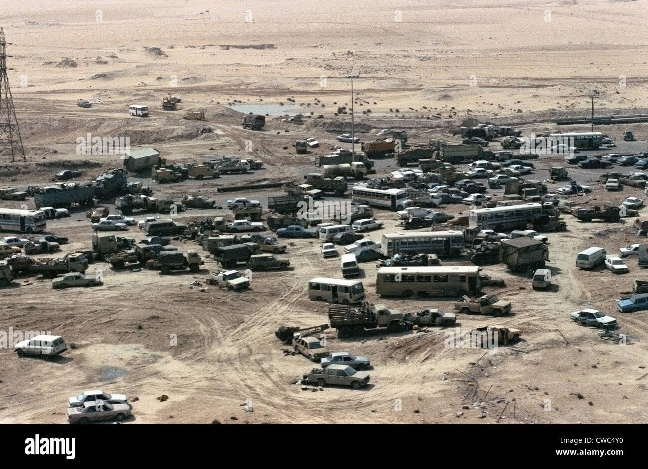Iraqi Vehicles damaged and abandoned along Highway 80 west of Kuwait City during Operation Desert Storm. Mar. 1 - Stock Image