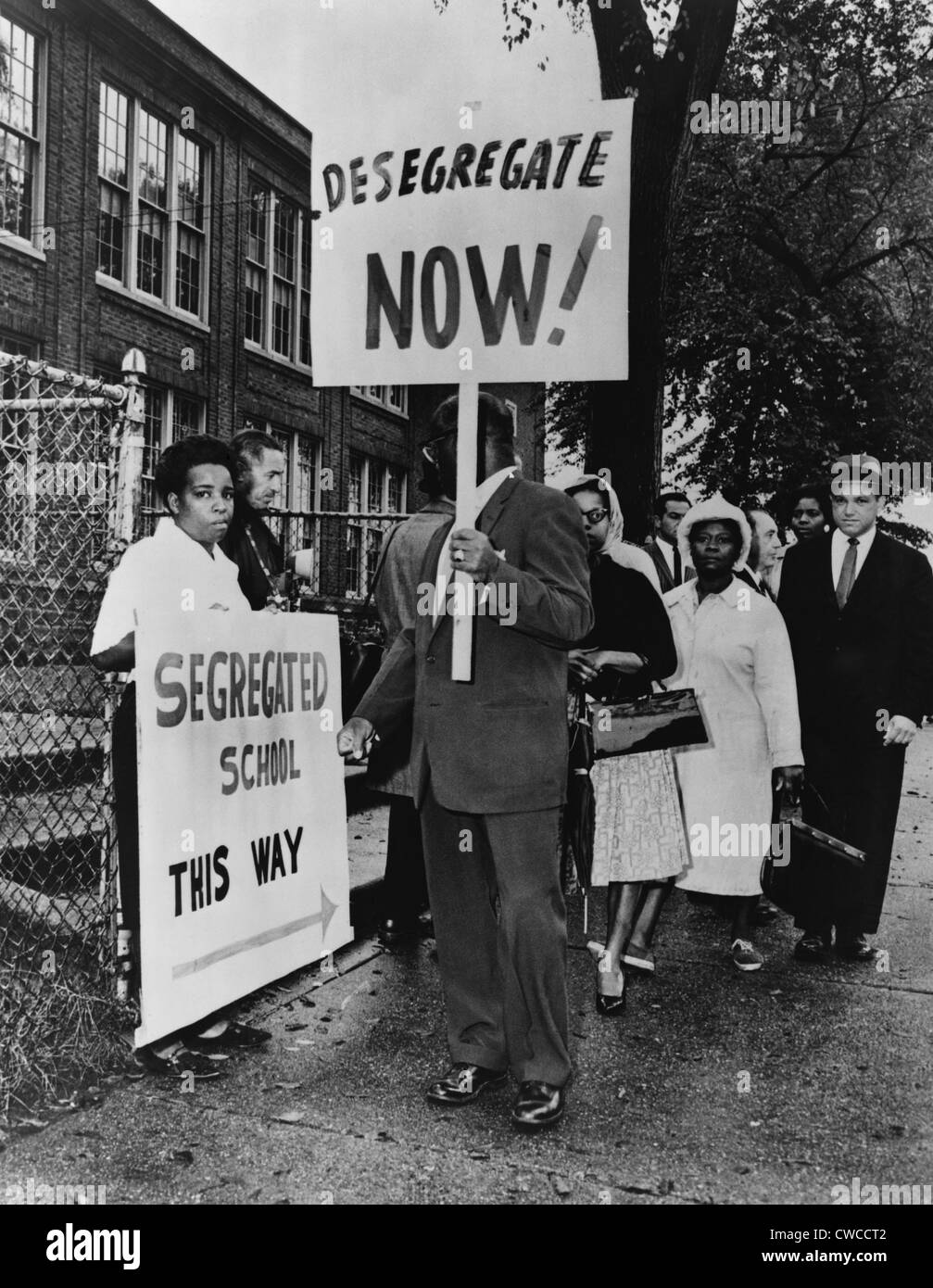 Africans American protest school segregation. Pickets outside Lincoln School in Englewood, N.J. were protesting - Stock Image