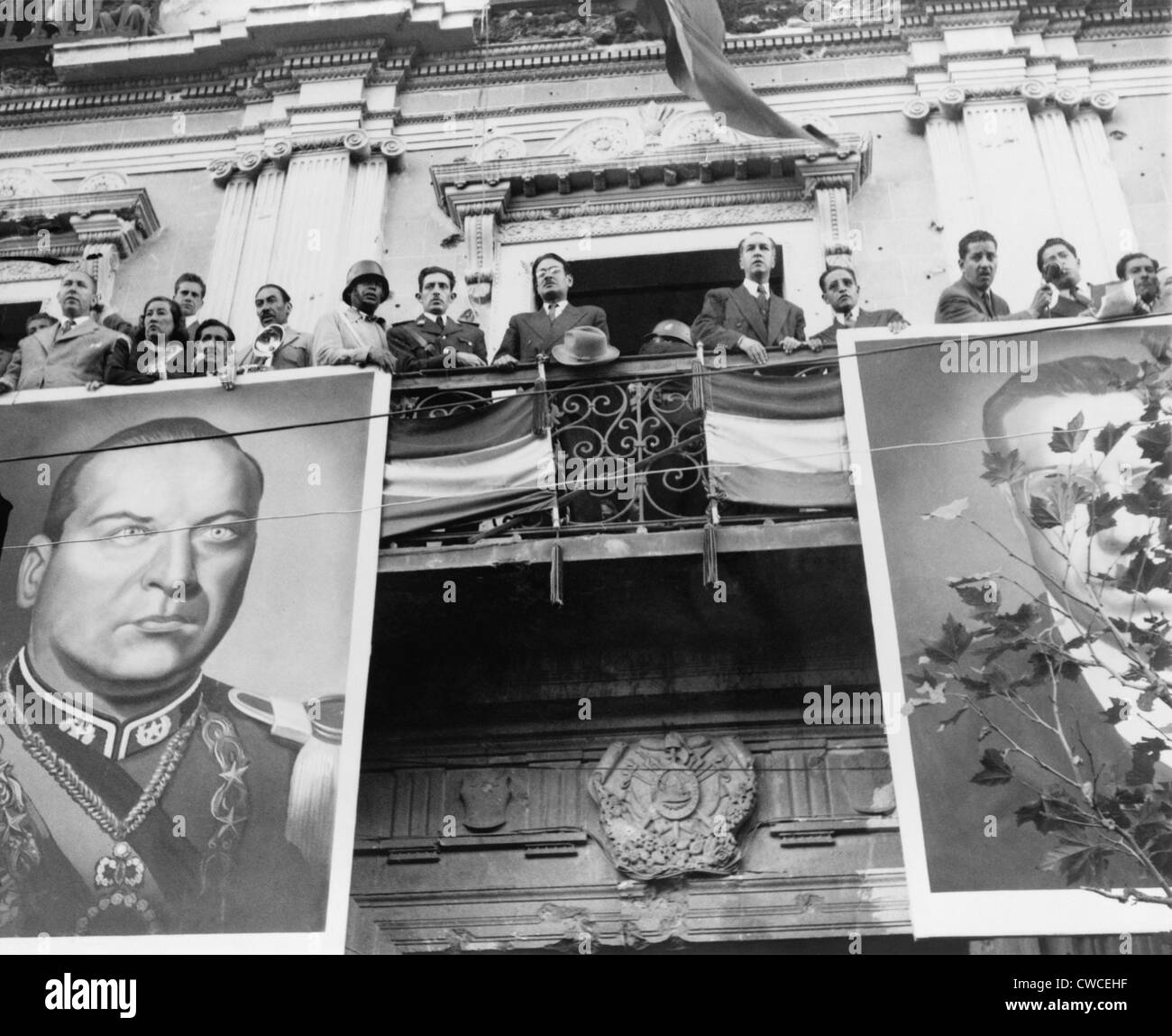 Bolivian Political Celebration. The Bolivian Cabinet Awaits The Arrival Of  President Victor Paz Estenssoro. The Balcony Is