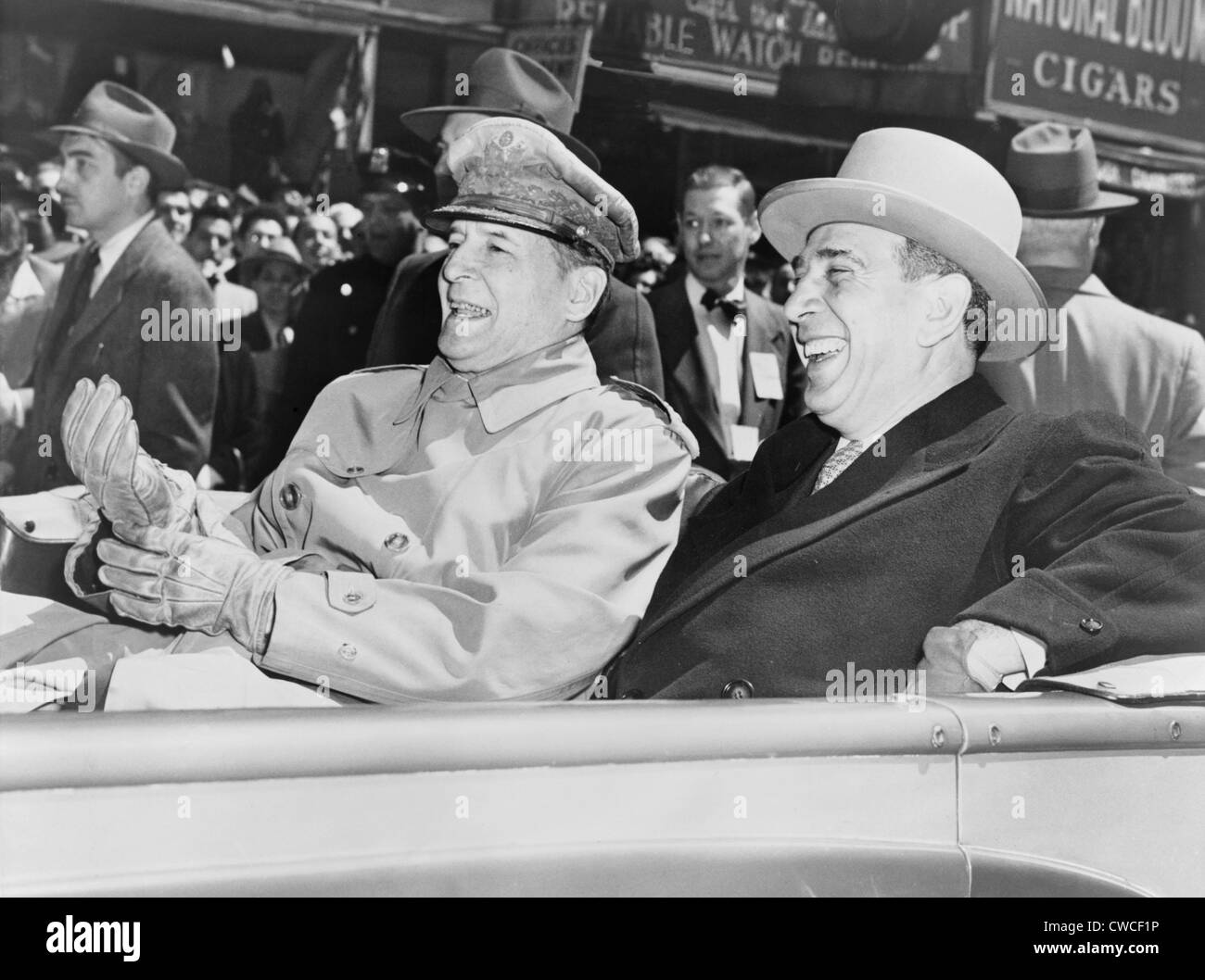 General MacArthur is cheered by New Yorkers on April 20, 1951. Nine days earlier President Harry Truman relieved - Stock Image
