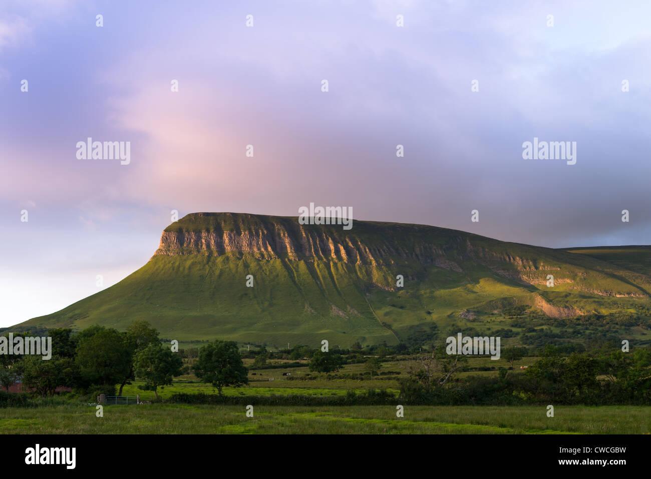 Ben Bulben tabletop mountain, County Sligo, Connacht, Ireland, Europe. - Stock Image