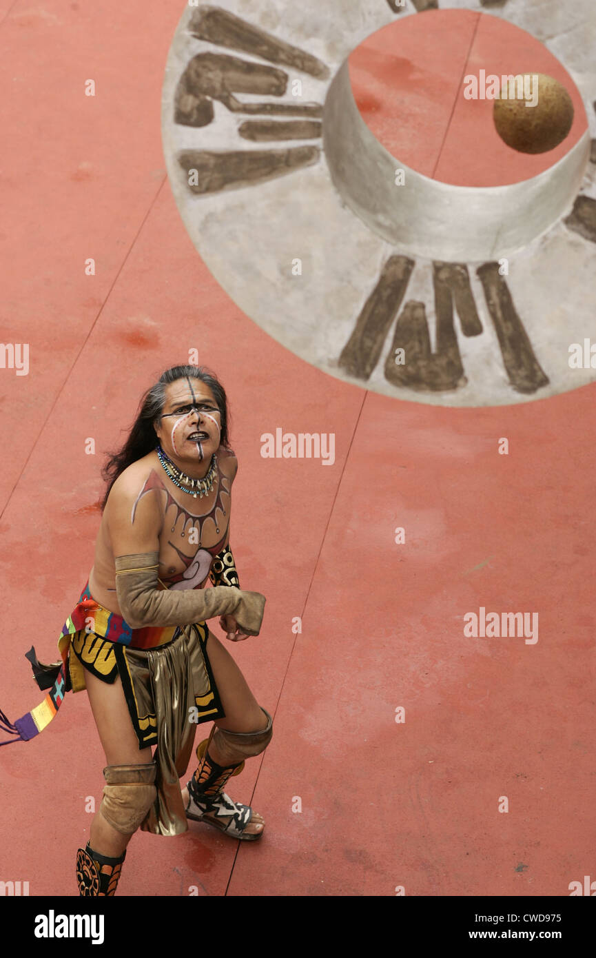 Poc ta poc - Mayan ball game - YouTube