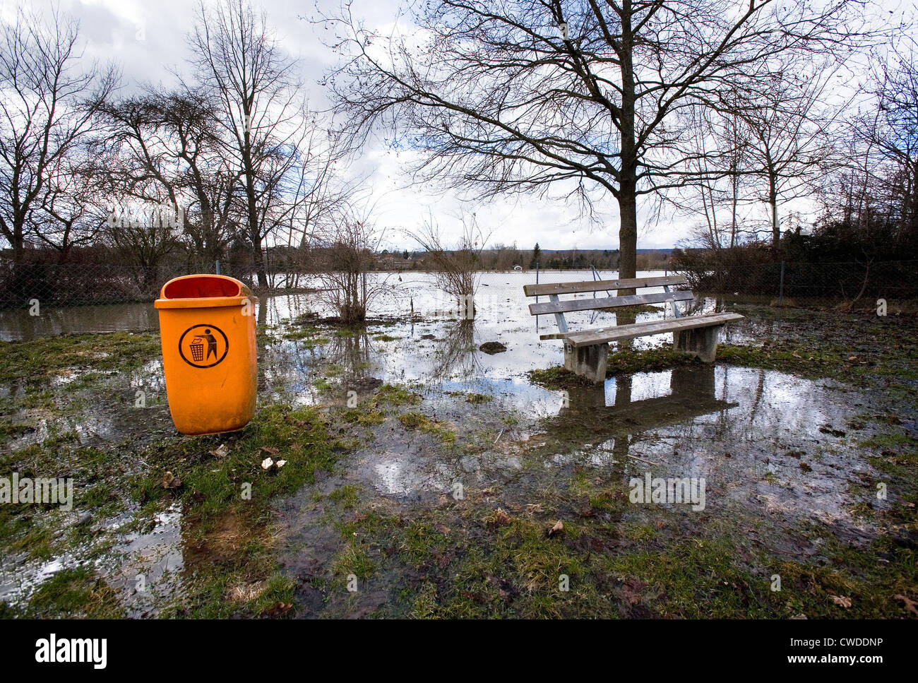 Riedlingen, flooding of the Danube: fields are flooded completely - Stock Image