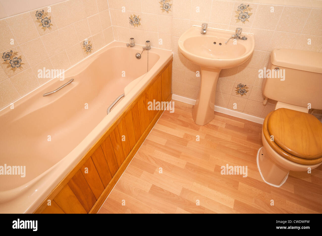 Eighties style bathroom suite - Stock Image