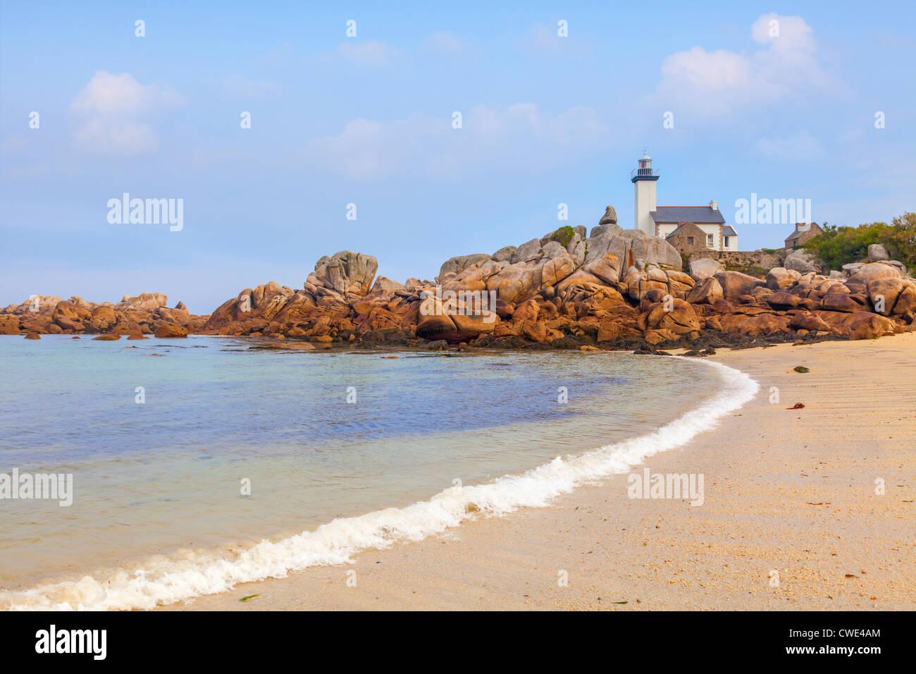 Pontusval Lighthouse, Brignogan Plage, Finistere, Brittany, France. - Stock Image