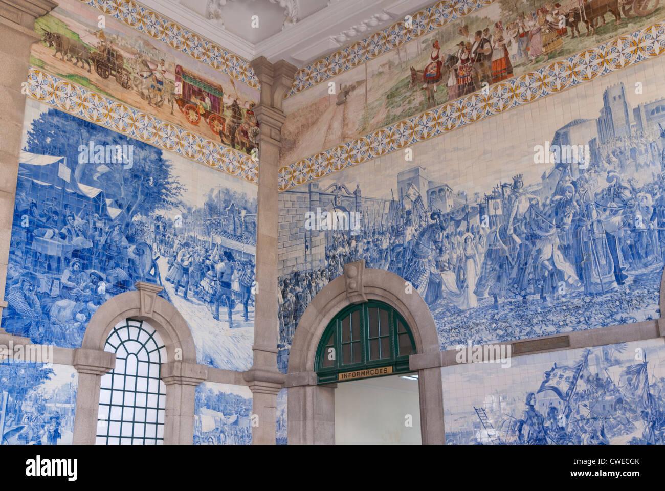 Azulejos (tiles),Oporto Porto Portugal Sao Bento Rail Railway Train Station Stock Photo