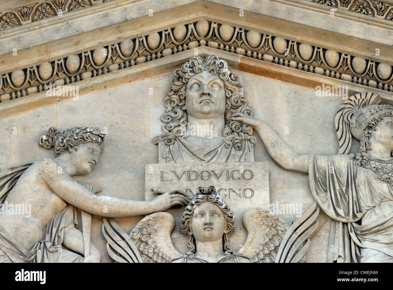 Paris, France. Palais du Louvre - Eastern facade:  Bust - Louis XIV but originally Napoleon, wig / name added (see - Stock Image