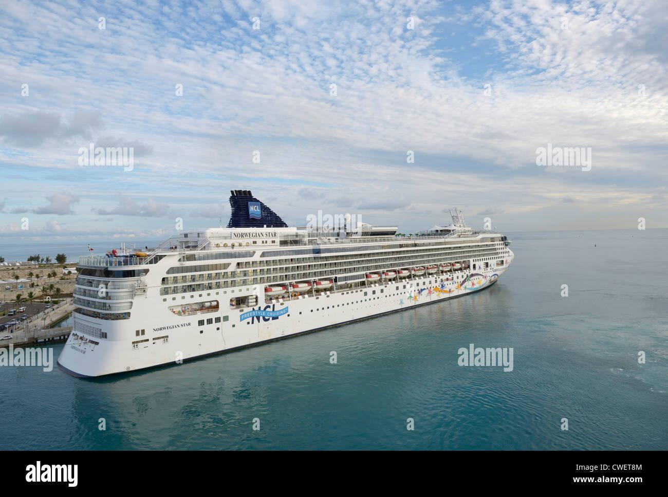 Cruise ship docked at King's Wharf, Bermuda - Stock Image