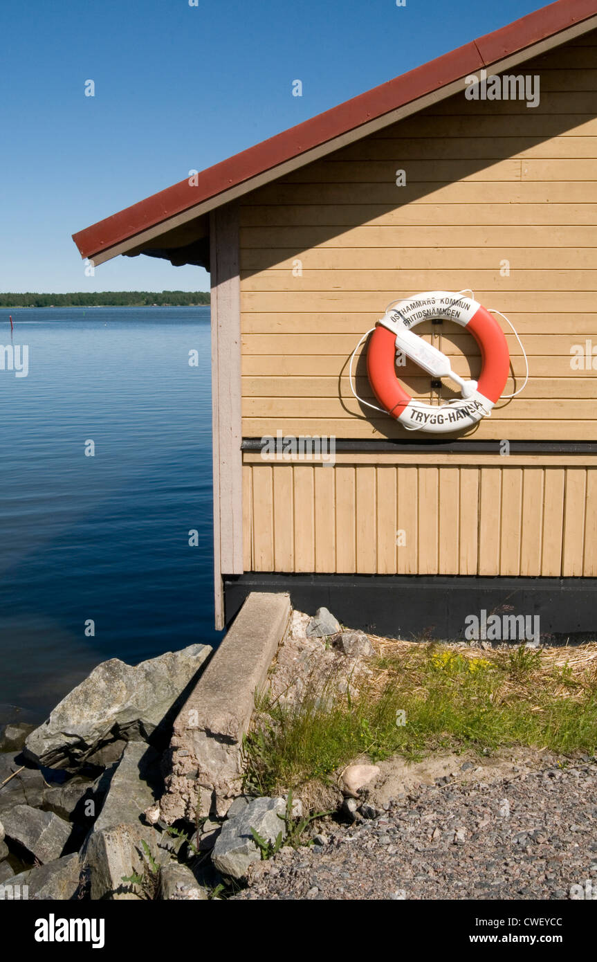 life belt ring belts rings saver lifebelt lifebelts water lake drown drowning swimming swim swimmers swimmers safety - Stock Image
