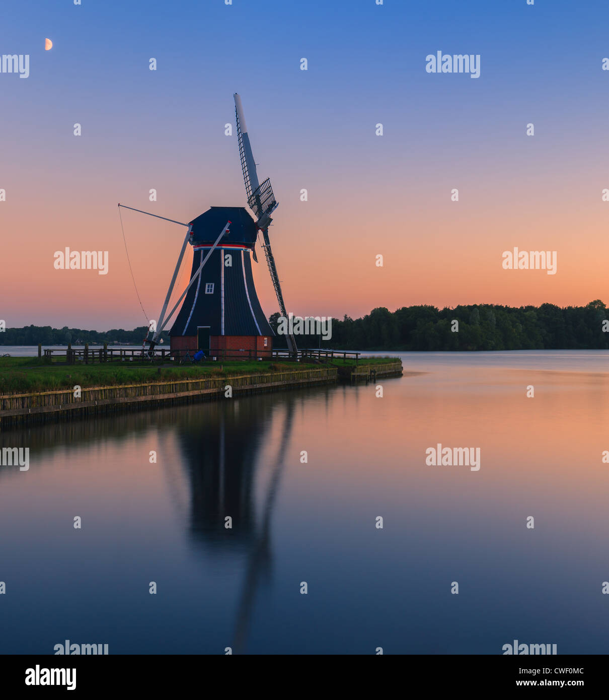 Windmill De Helper at Paterswoldsemeer right after Sunset - Stock Image