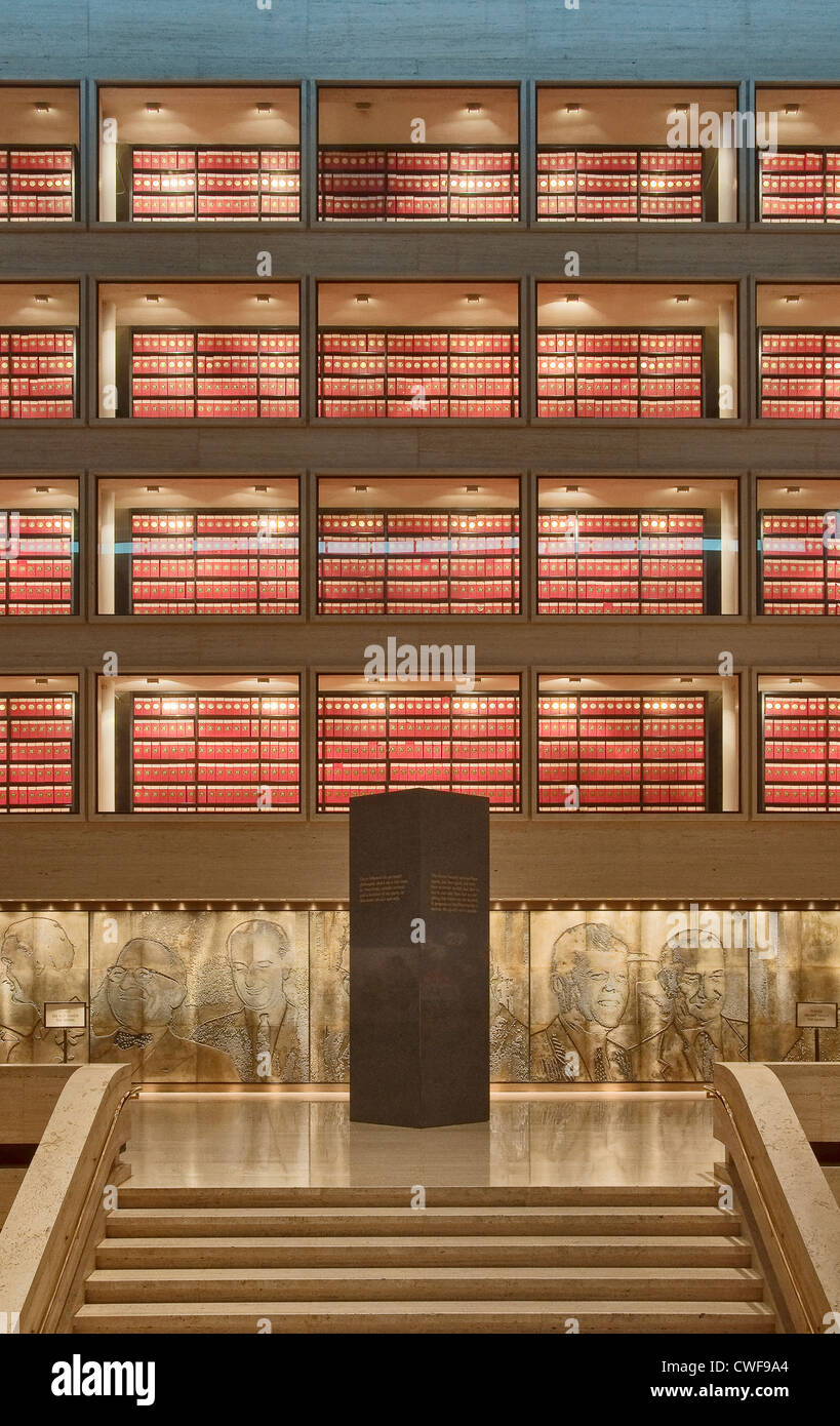Archives section over Great Hall at Lyndon Baines Johnson Library and Museum (LBJ Library) in Austin, Texas, USA - Stock Image