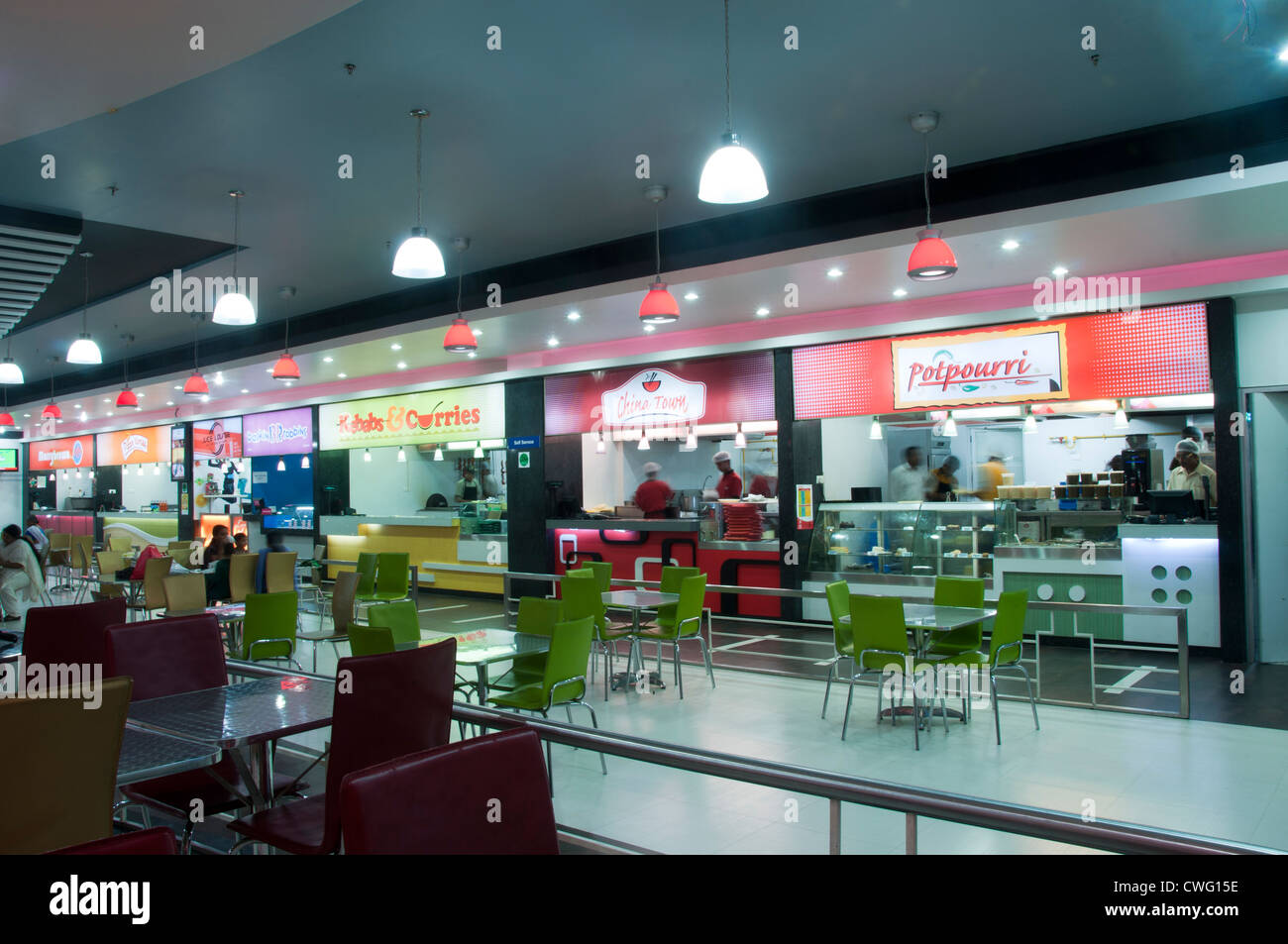 Food court in a shopping mall in Cochin - Stock Image