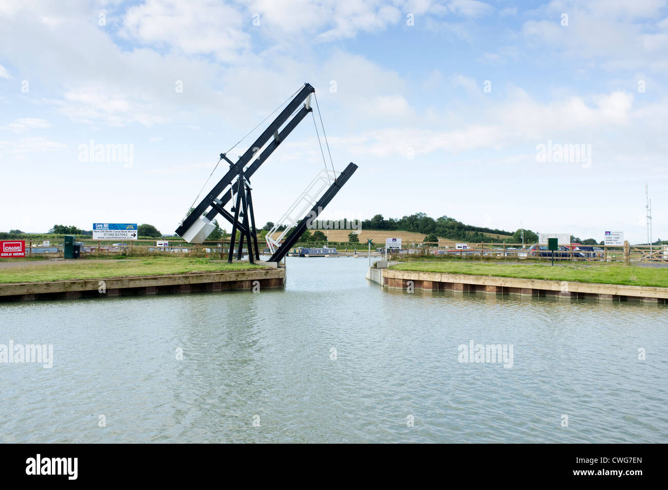 Cantilever bridge at the entrance to Caen Hill Marina on the Kennet and Avon Canal Wiltshire UK - Stock Image
