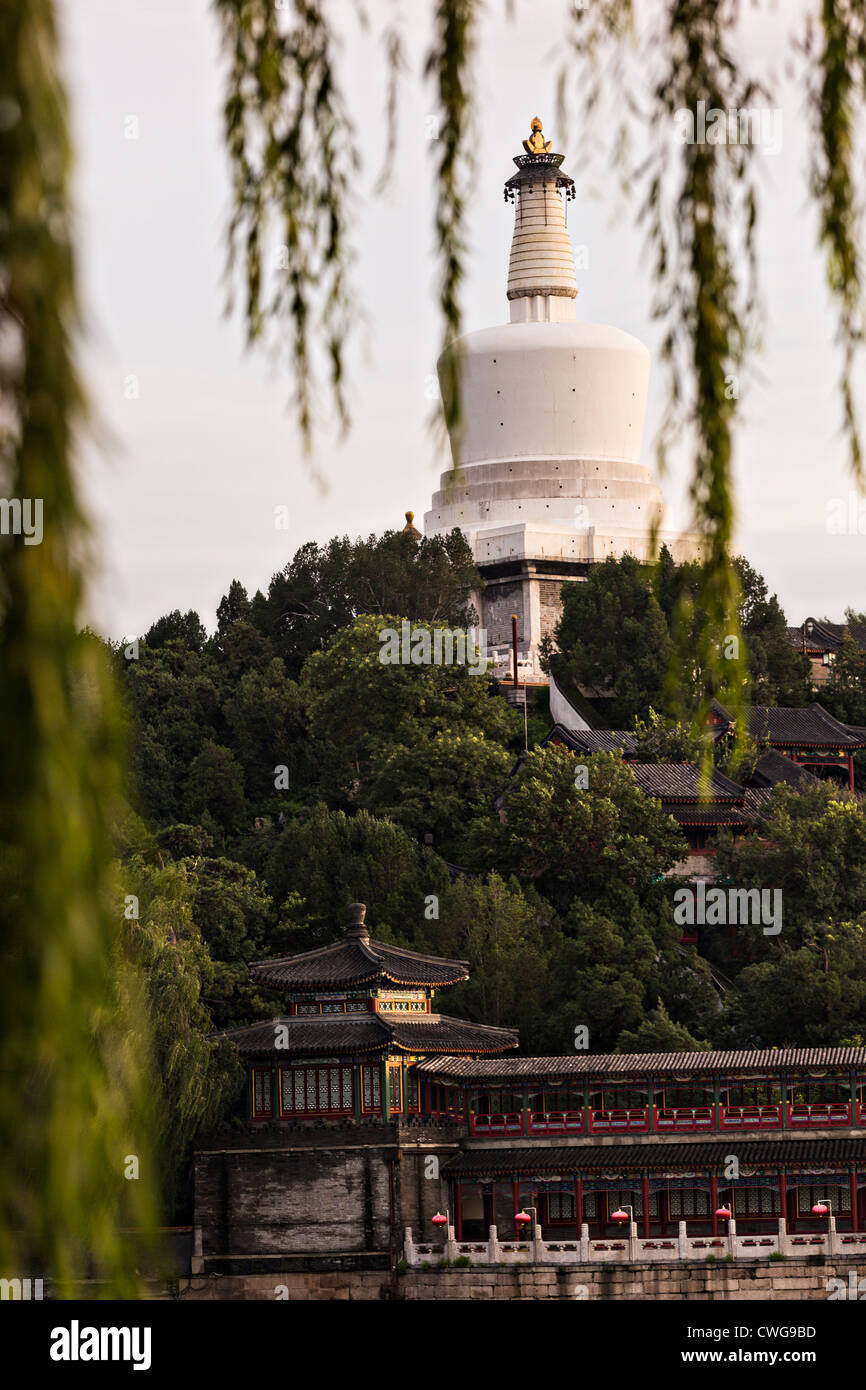 View at sunset of the White Dagoba Tibetan style stupa in Beihai Park in Beijing, China Stock Photo