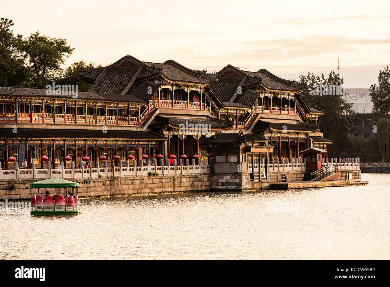 View at sunset of the decorative colonnade in Beihai Park in Beijing, China Stock Photo
