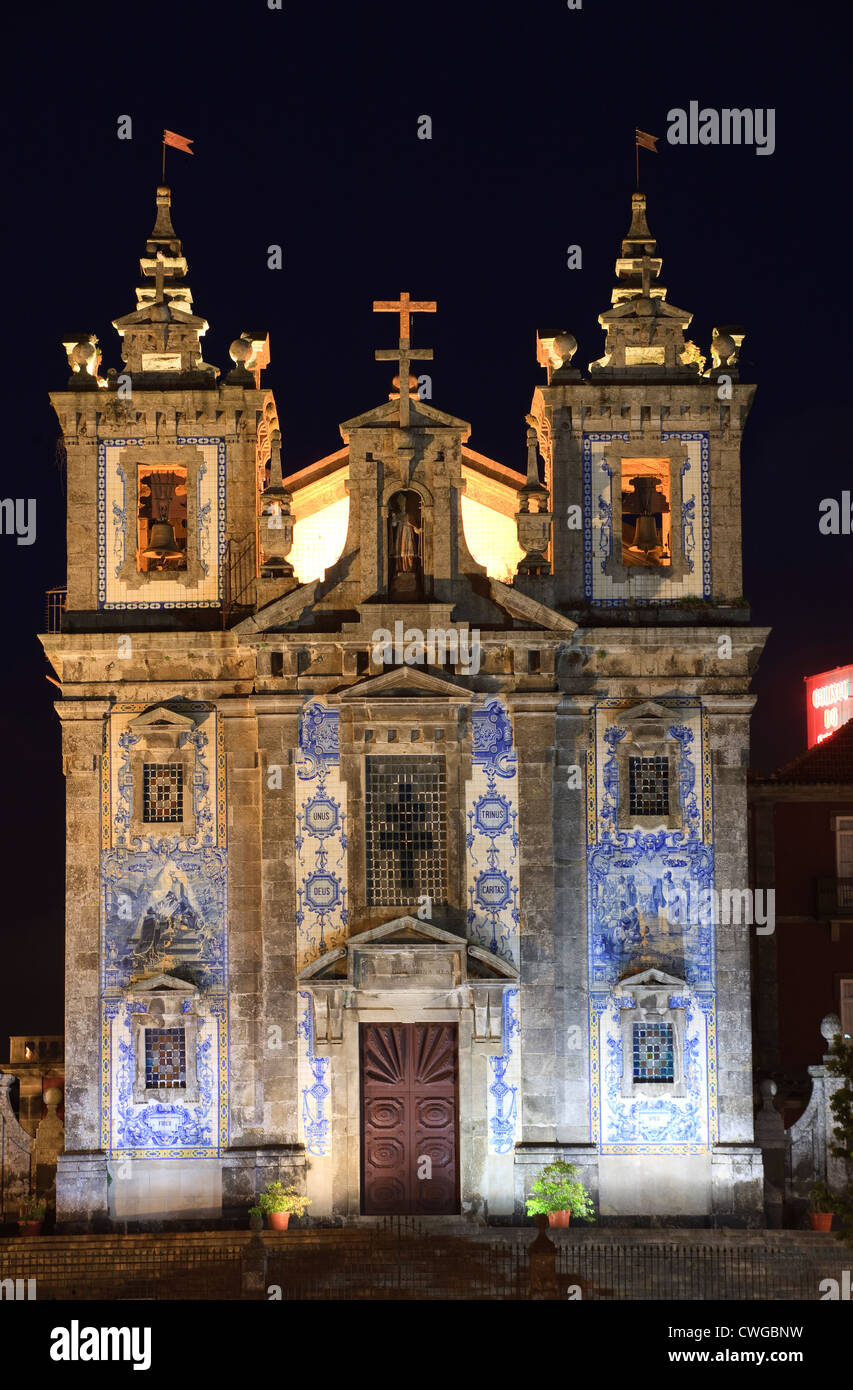 Igreja de Santo iIdefonso Praca da Batalha Porto Portugal at twilight - Stock Image