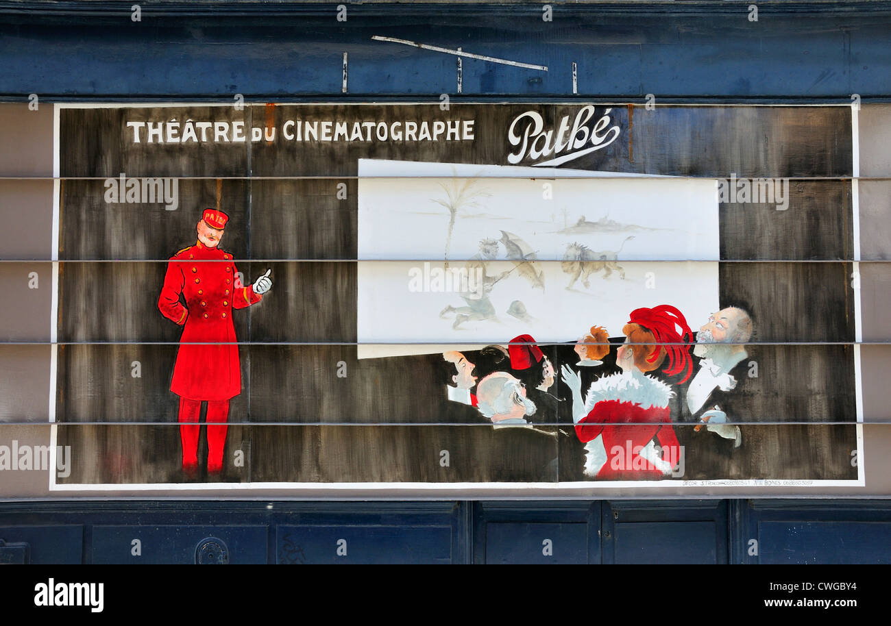 Paris, France. Painted metal shop shutters in Rue Cavalotti (18th Arr) in style of Toulouse-Lautrec (Axelle de Boynes - Stock Image