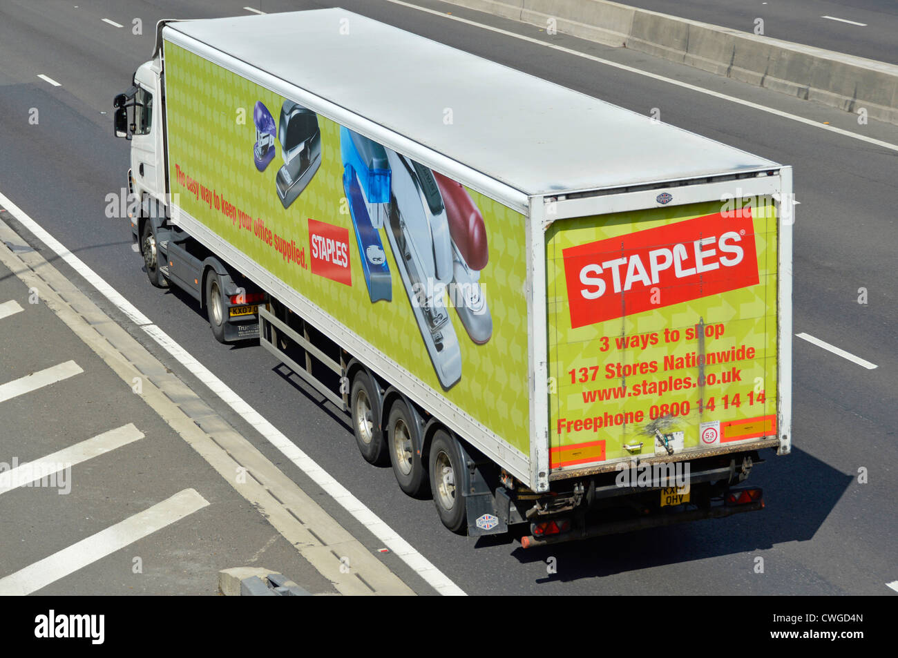 Staples office supplies company articulated superstores delivery lorry - Stock Image