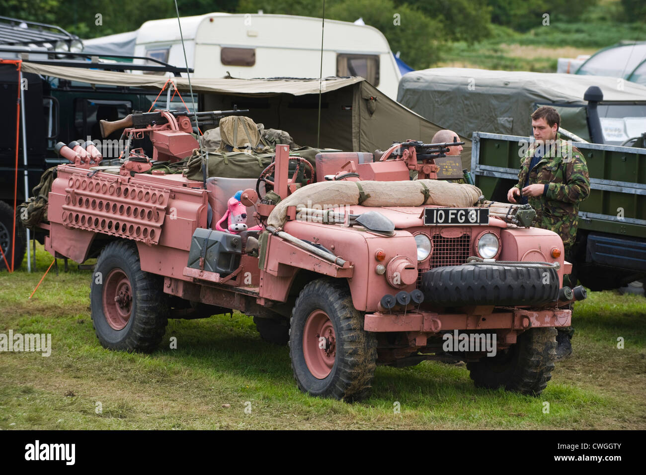 sale rover and panthers vehicle leisure sas pin at panther hobby pinterest land pink rear italeri landrover rovers plastic fg for cars kit