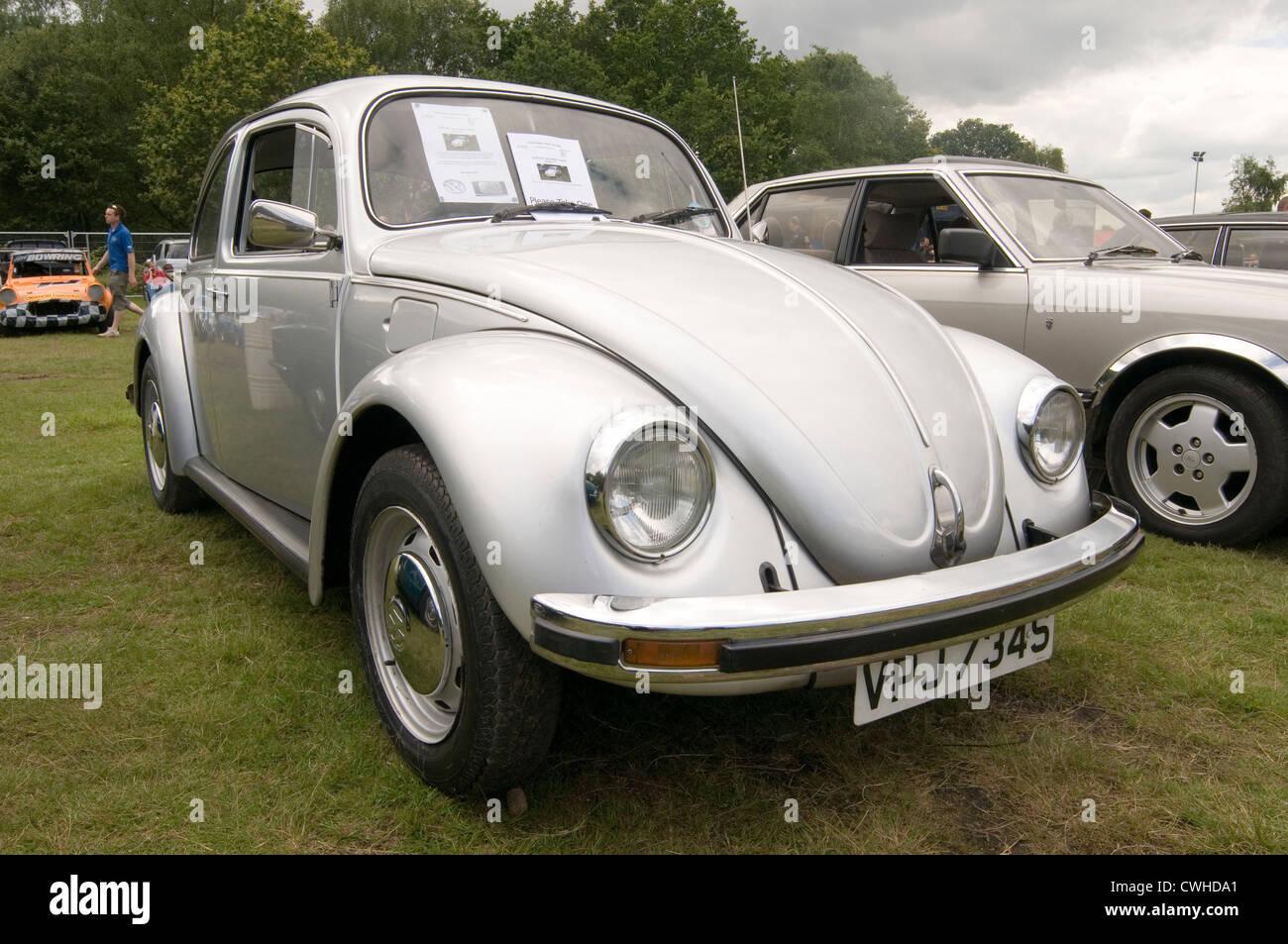 vw beetle 1970's super german car cars late classic cars 1302 1300 volkswagen - Stock Image
