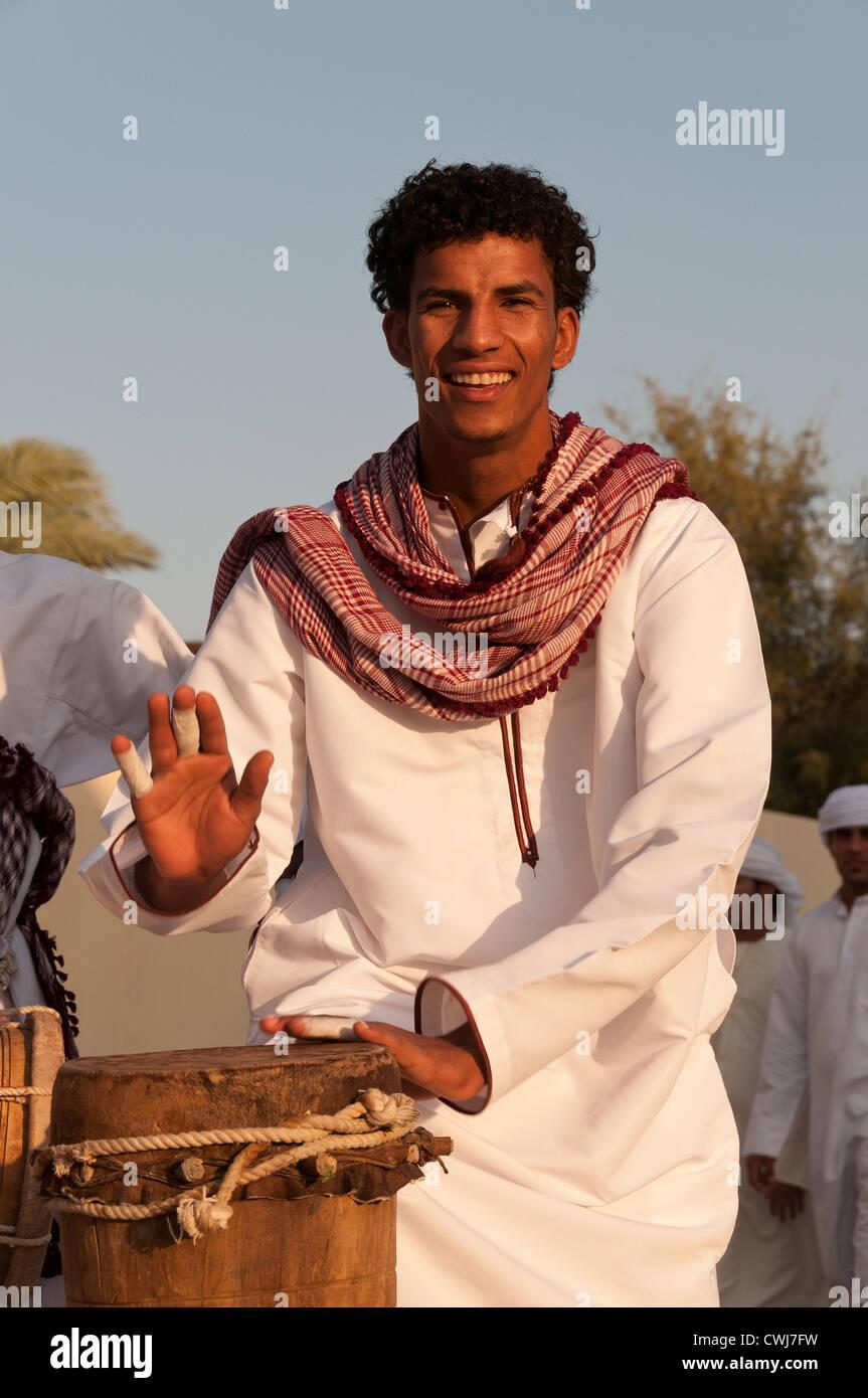 Elk207-1482v Oman, Muscat, Muscat Festival, street musicians, drummer - Stock Image