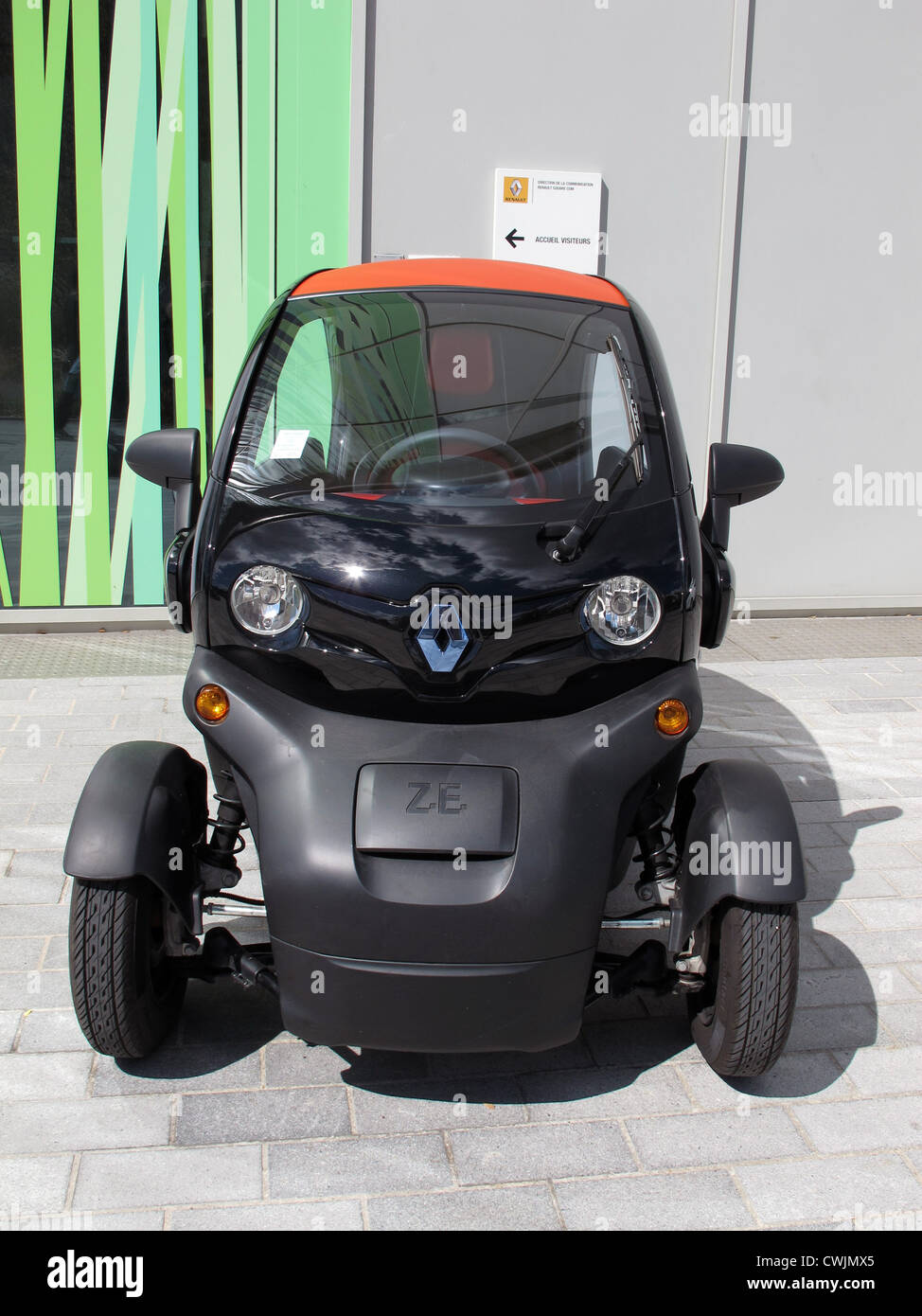 renault twizy electric car stock photos renault twizy electric car stock images alamy. Black Bedroom Furniture Sets. Home Design Ideas