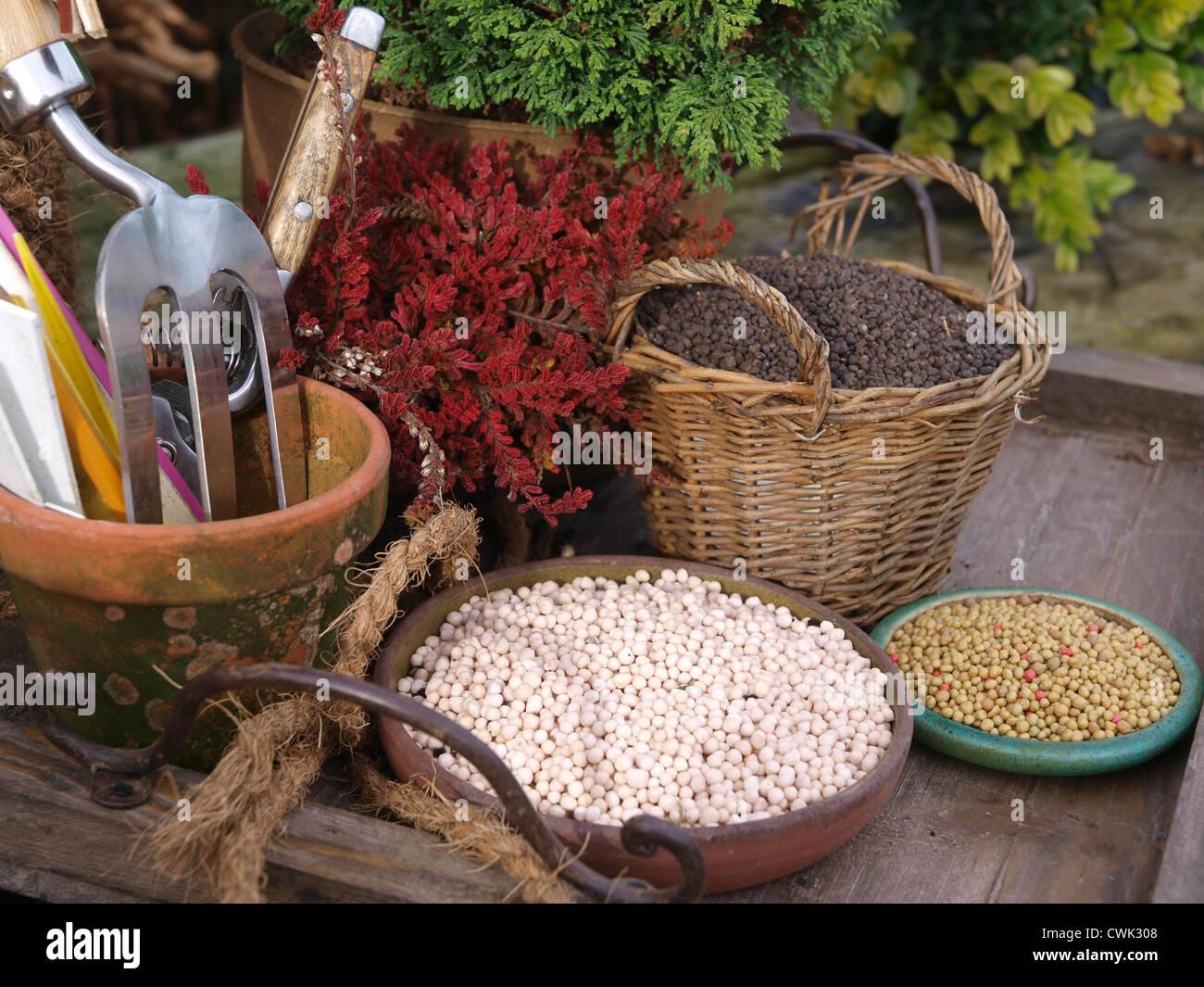Garden Fertilizer Stock Photos & Garden Fertilizer Stock Images - Alamy