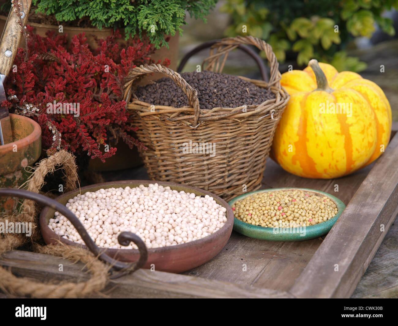 Garden Fertilizer Stock Photo: 50206587 - Alamy