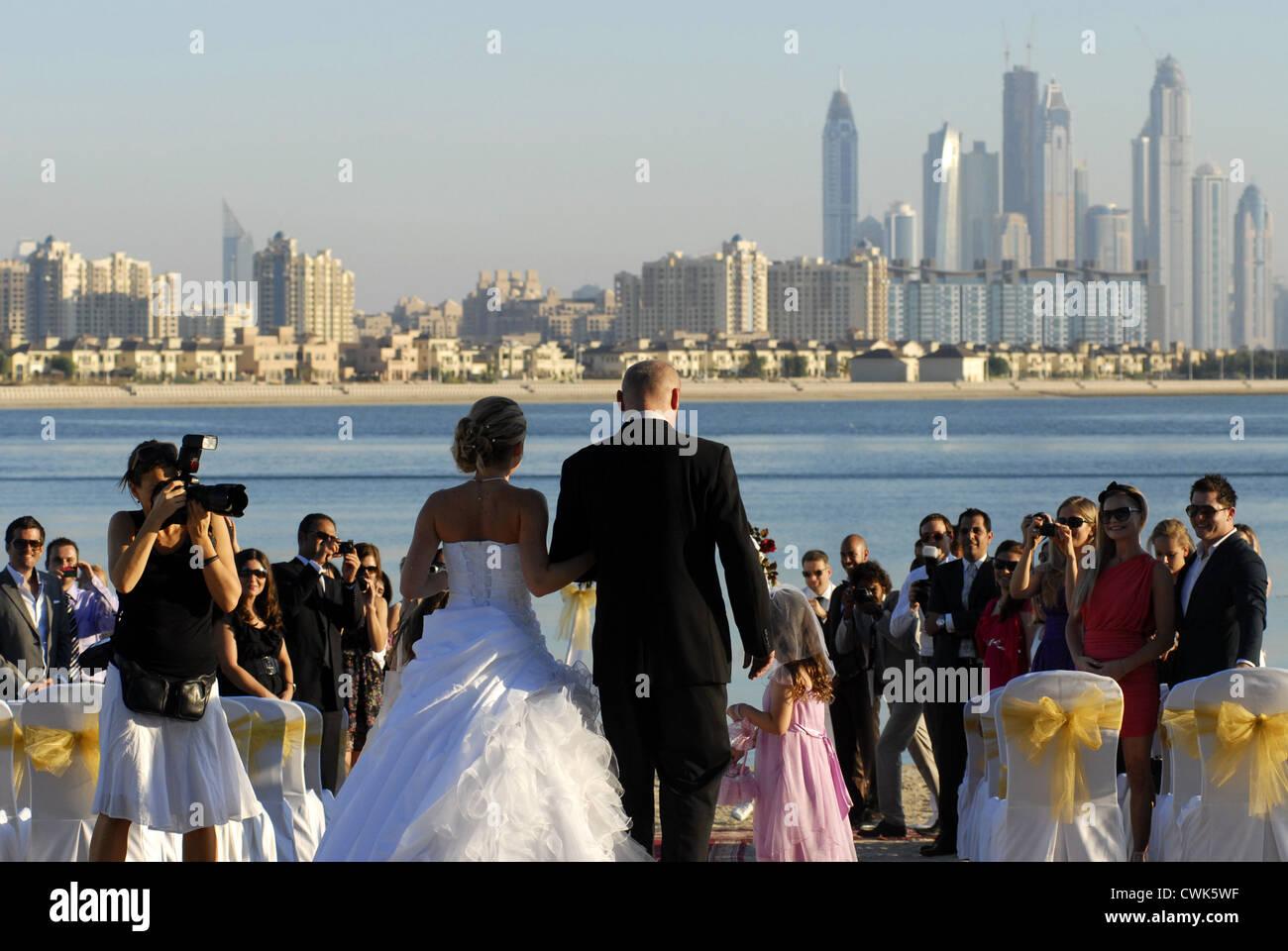 Wedding at the beach in the Atlantis Hotel, The Palm, Dubai, UAE, United Arab Emirates, Persian Gulf, Arabian Peninsula, - Stock Image